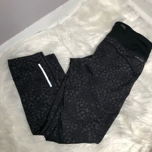 Nike workout Cropped Running Leggings